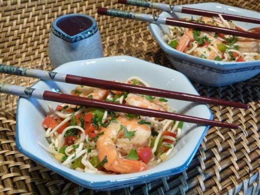 Wok de crevettes aux nouilles chinoise