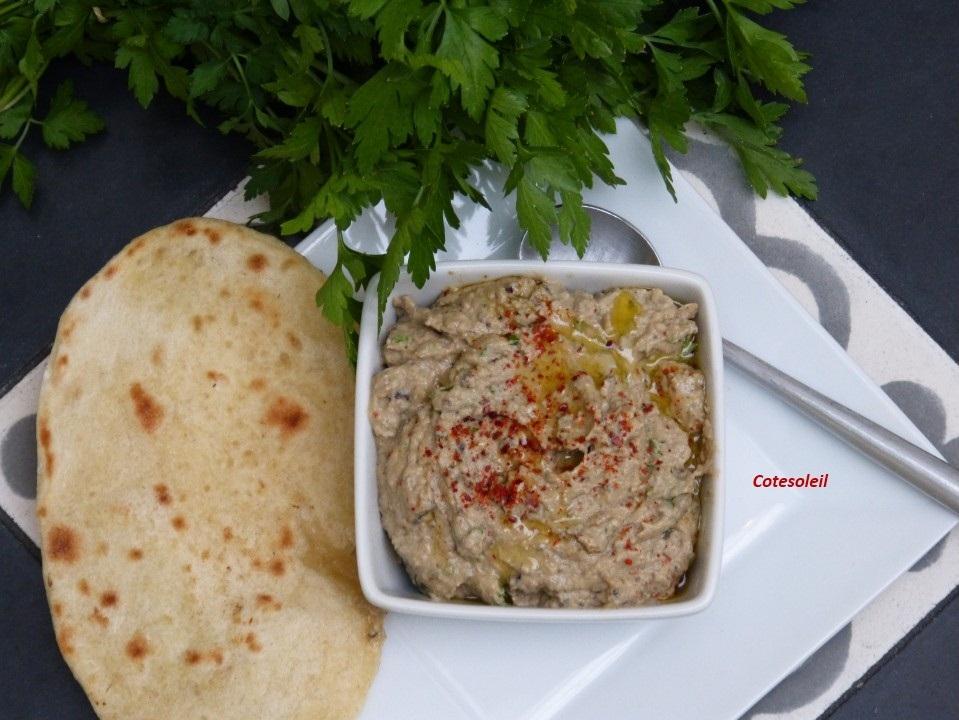Caviar d'aubergine à la poudre d'amande
