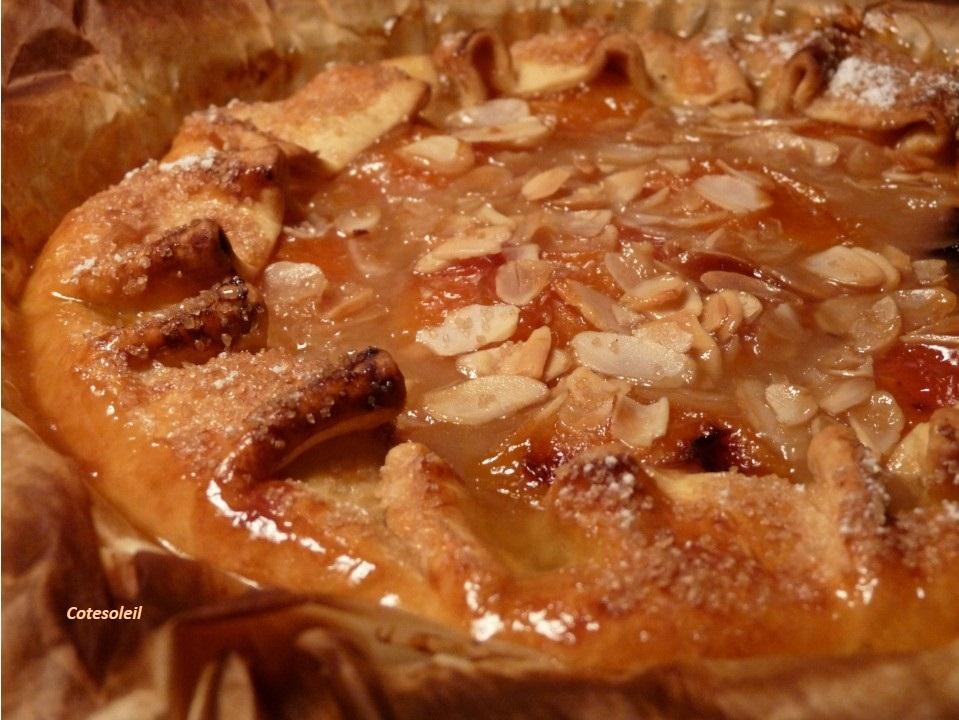 Tarte rustique abricot amandes