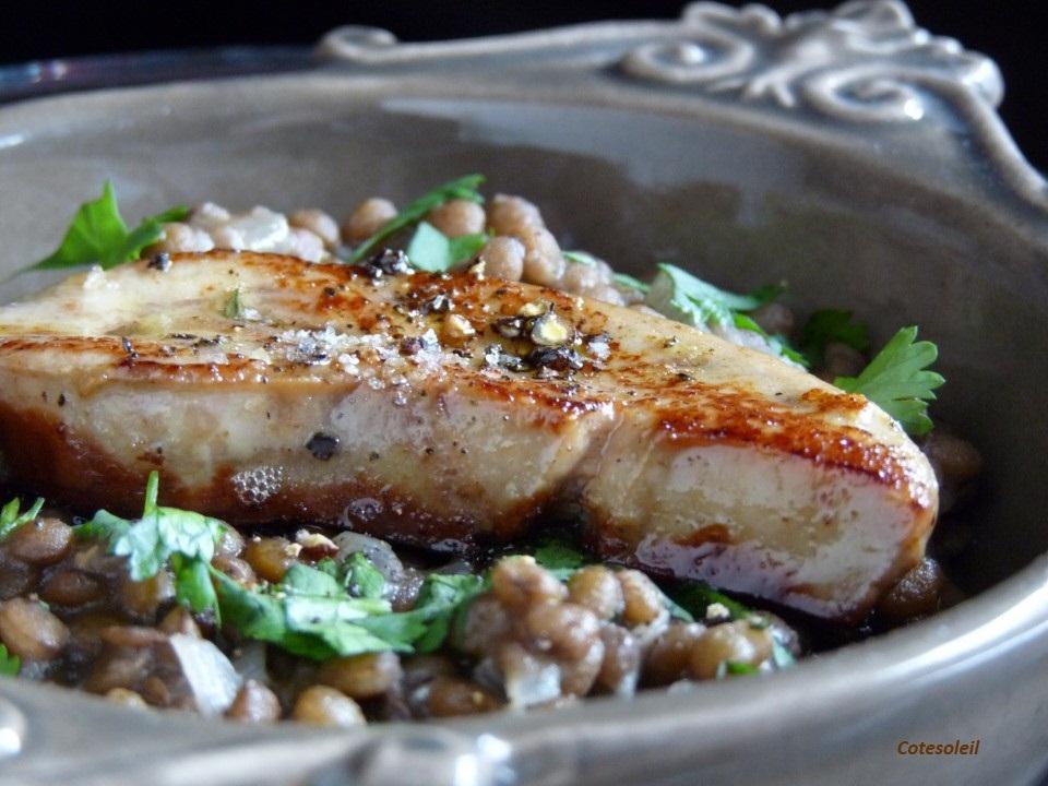 Escalopine de foie gras sur lentilles