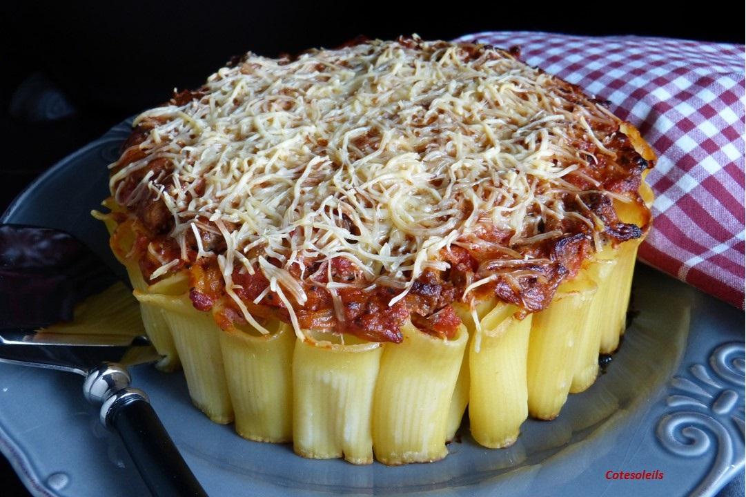 Gâteau de rigatoni à la bolognèse