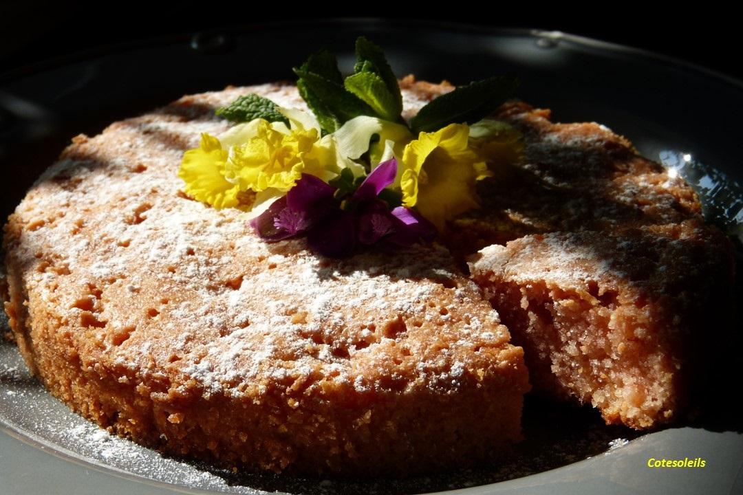 Gâteau rose à la rose