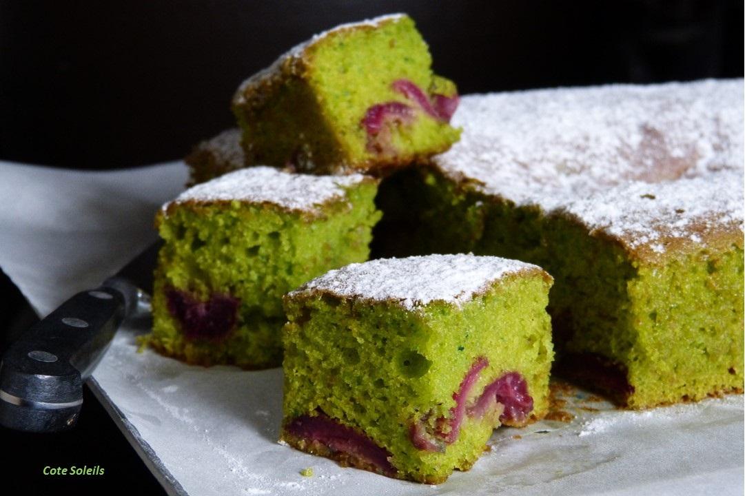 Gâteau cerises pâte de pistaches